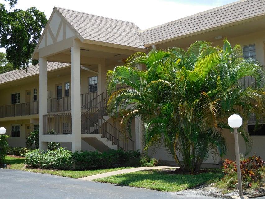 Konsum / Eigentumswohnung für Verkauf beim 3011 Linton Boulevard 3011 Linton Boulevard Delray Beach, Florida 33445 Vereinigte Staaten