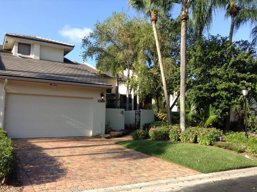 Townhouse for Sale at 19623 Island Court Drive Boca Raton, Florida 33434 United States