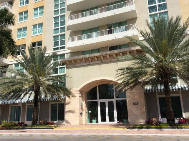 625 E Casa Loma Boulevard Ph 3 is listed as MLS Listing RX-10357087