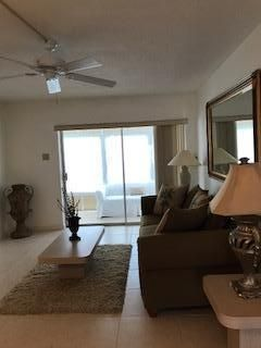 Additional photo for property listing at 2121 NE 42nd Court 2121 NE 42nd Court Lighthouse Point, Florida 33064 États-Unis