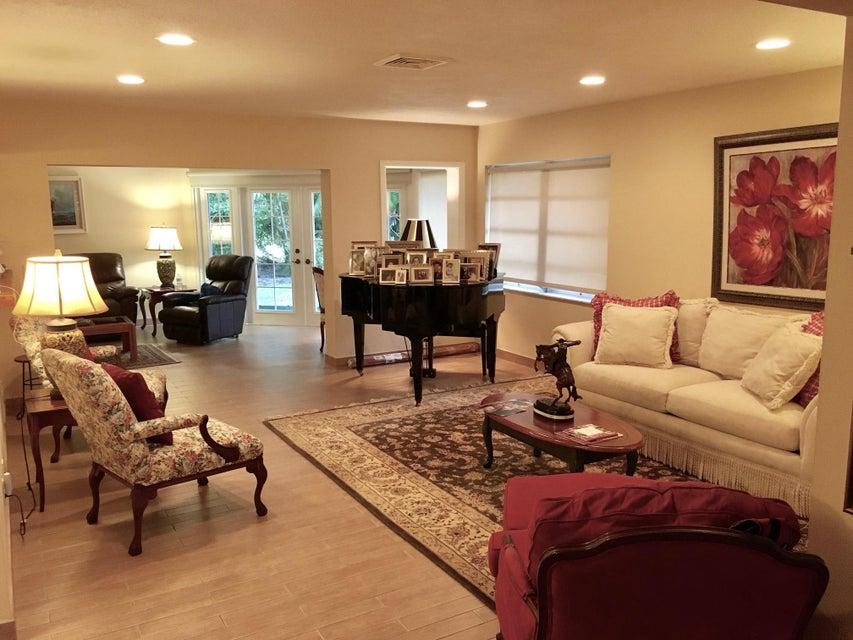 18 Slash Pine Drive, Boynton Beach, FL 33436