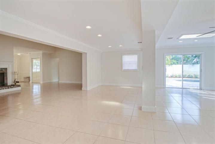 Additional photo for property listing at 8690 Gatehouse Road 8690 Gatehouse Road Plantation, Florida 33324 Vereinigte Staaten