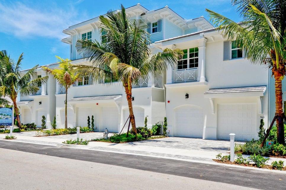 Stadthaus für Verkauf beim 957 Sweetwater Lane 957 Sweetwater Lane Boca Raton, Florida 33431 Vereinigte Staaten