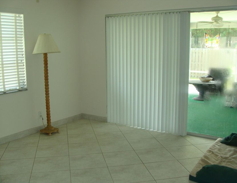 Additional photo for property listing at 4711 Barrett Street  Delray Beach, Florida 33445 Estados Unidos