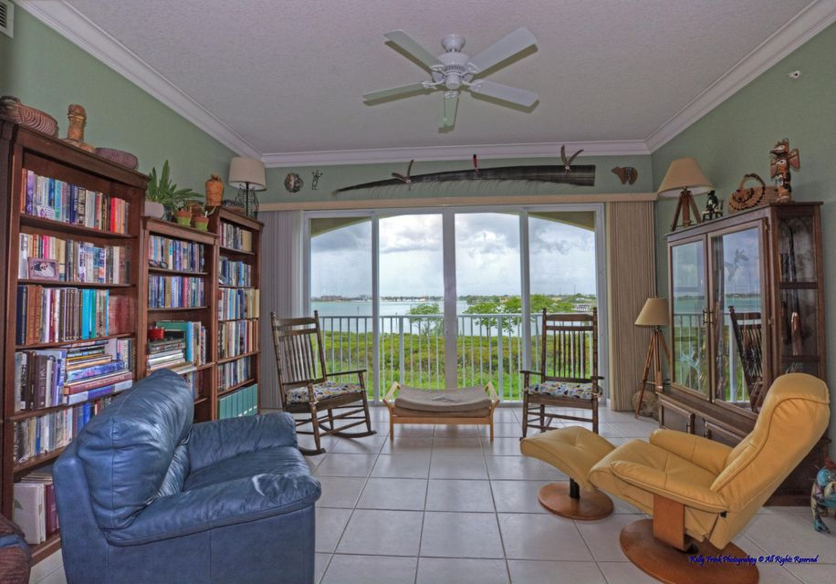 Additional photo for property listing at 32 Harbour Isle Drive W  Fort Pierce, Florida 34949 Estados Unidos