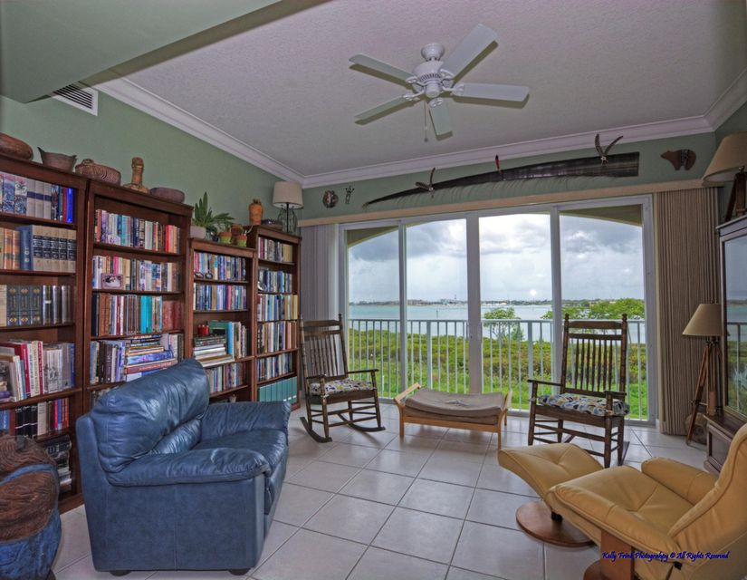 32 Harbour Isle Drive W 201, Fort Pierce, FL 34949