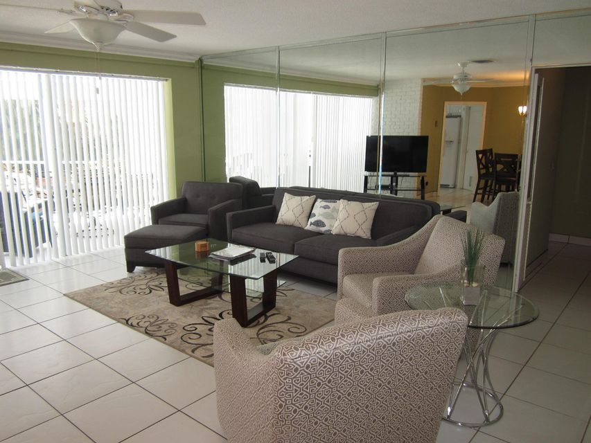 Additional photo for property listing at 750 NW 6th Avenue 750 NW 6th Avenue Boca Raton, Florida 33432 États-Unis