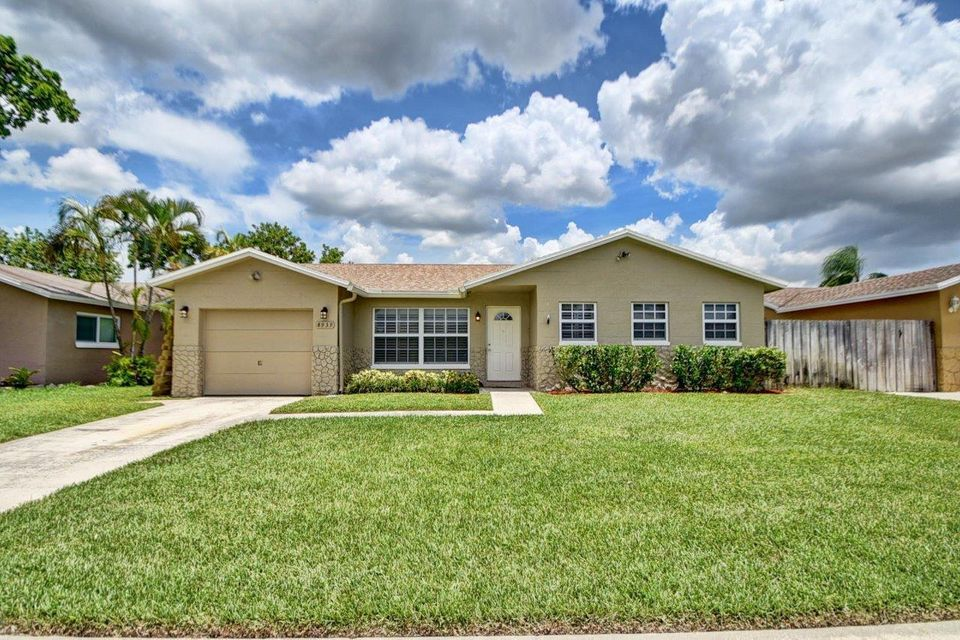 Additional photo for property listing at 8939 SW 7th Street  Boca Raton, Florida 33433 États-Unis