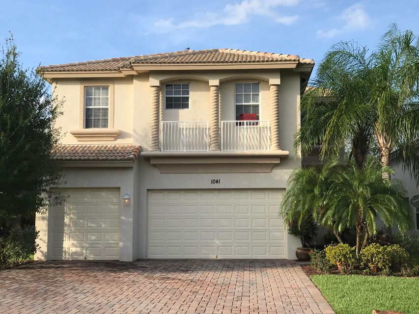 Single Family Home for Sale at 1041 SE Fleming Way 1041 SE Fleming Way Stuart, Florida 34997 United States
