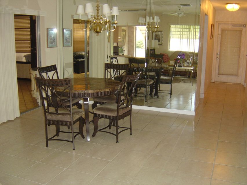Additional photo for property listing at 14746 Wildflower Lane  Delray Beach, Florida 33446 United States