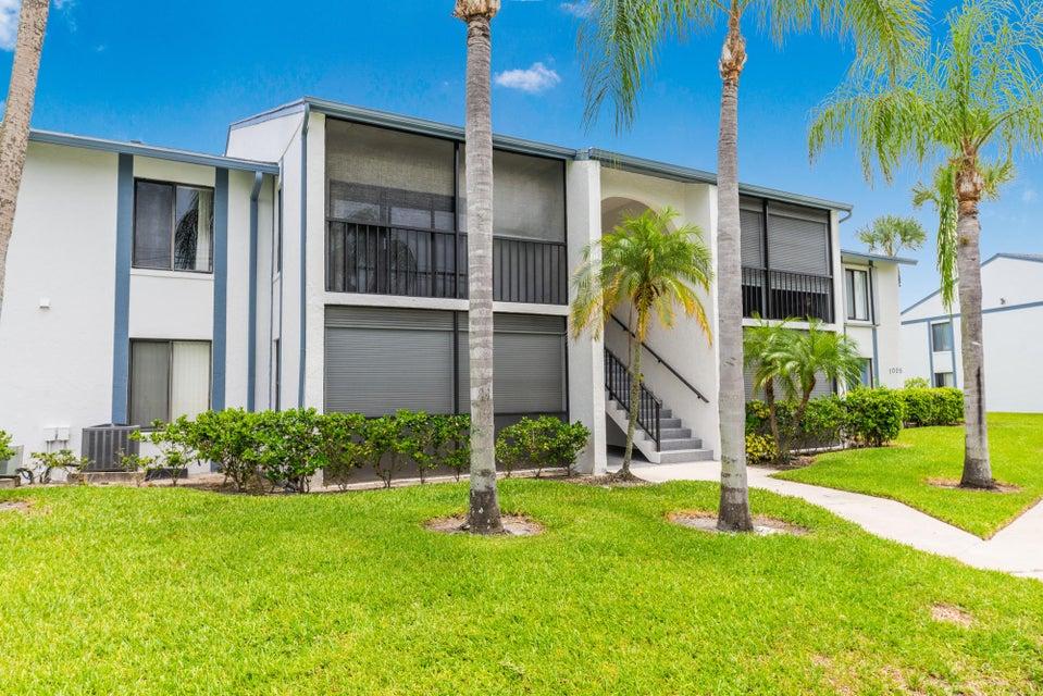 1005 Green Pine E-2, West Palm Beach, FL 33409