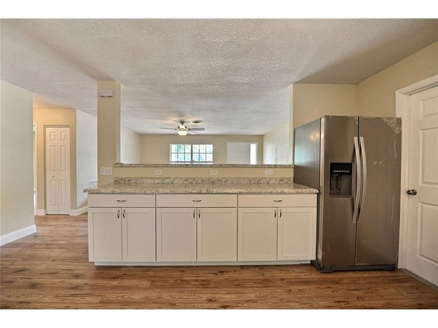 Additional photo for property listing at 4206 12th Street 4206 12th Street Vero Beach, Florida 32960 United States