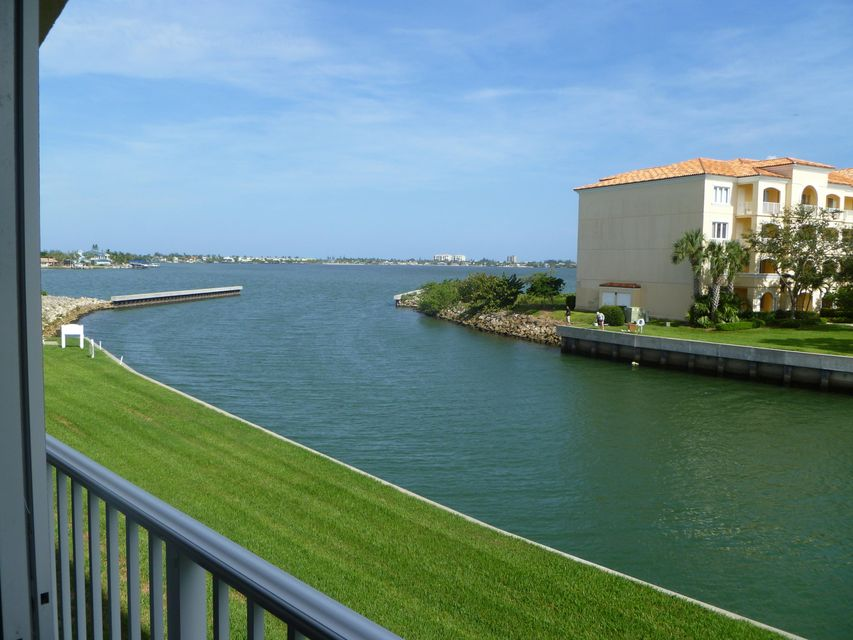 5 Harbour Isle Drive 203, Fort Pierce, FL 34949