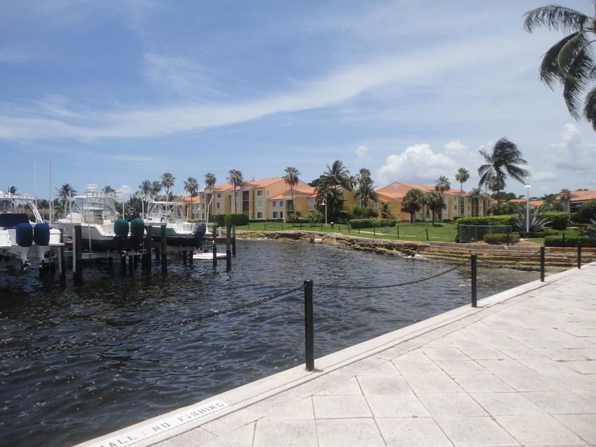 145 Yacht Club Way 307, Hypoluxo, FL 33462