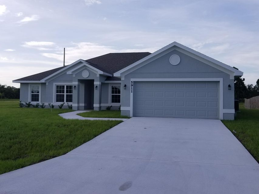 Single Family Home for Sale at 5911 NW Brianna Court 5911 NW Brianna Court Port St. Lucie, Florida 34986 United States
