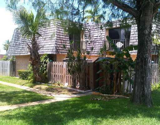 170 Woodland Road, Palm Springs, FL 33461