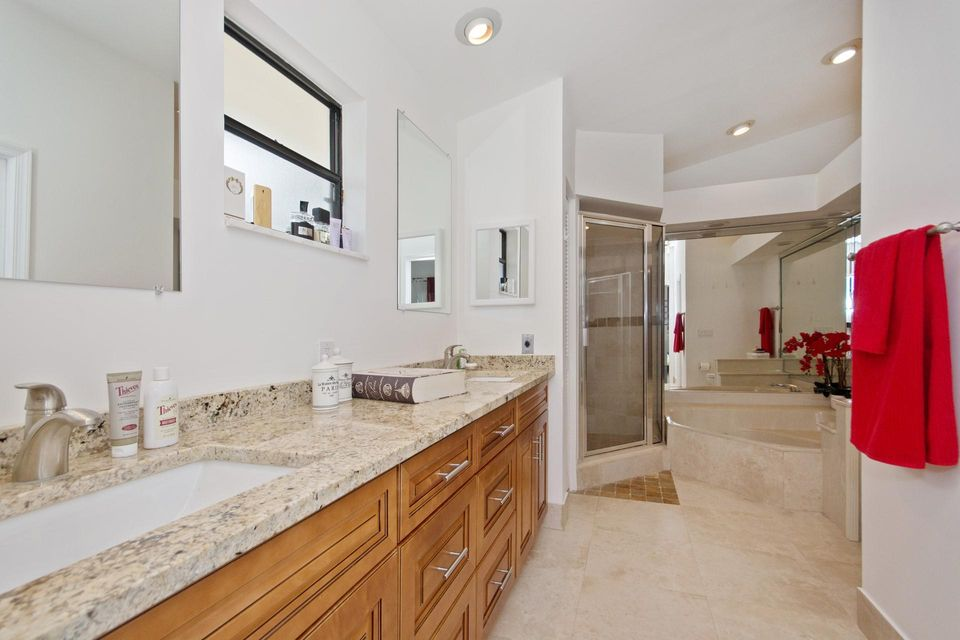 Additional photo for property listing at 4135 Birchwood Drive  Boca Raton, Florida 33487 United States