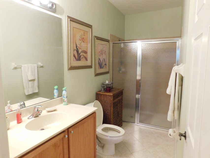 Additional photo for property listing at 162 Village Boulevard 162 Village Boulevard Tequesta, Florida 33469 United States