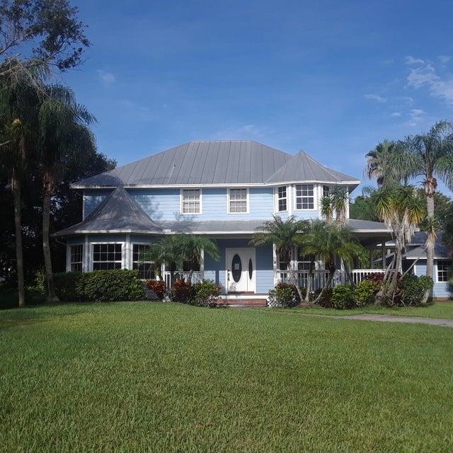 واحد منزل الأسرة للـ Sale في 5438 SW Coral Tree Lane Palm City, Florida 34990 United States