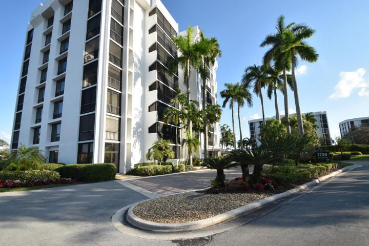 Co-op / Condo for Sale at 7754 Lakeside Boulevard Boca Raton, Florida 33434 United States