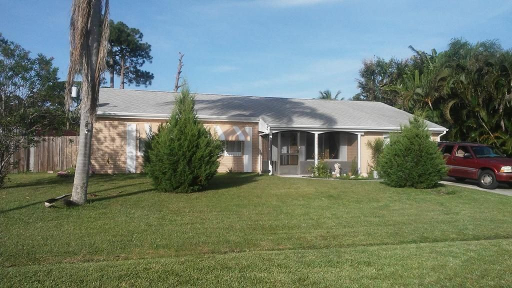 Additional photo for property listing at 2261 SE Holland Street  Port St. Lucie, Florida 34952 Estados Unidos