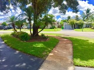 Additional photo for property listing at 11301 NW 32nd Place  Sunrise, Florida 33323 Estados Unidos