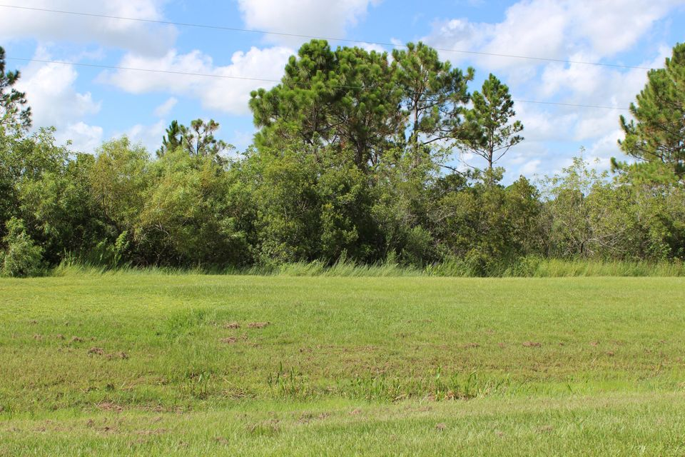 Single Family Home for Sale at Lot 20 Navion Drive Lot 20 Navion Drive St. Lucie West, Florida 34987 United States