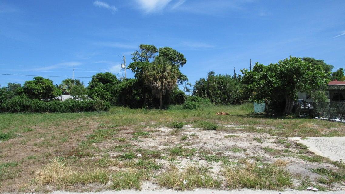 440 Ocean Parkway, Boynton Beach, FL 33435