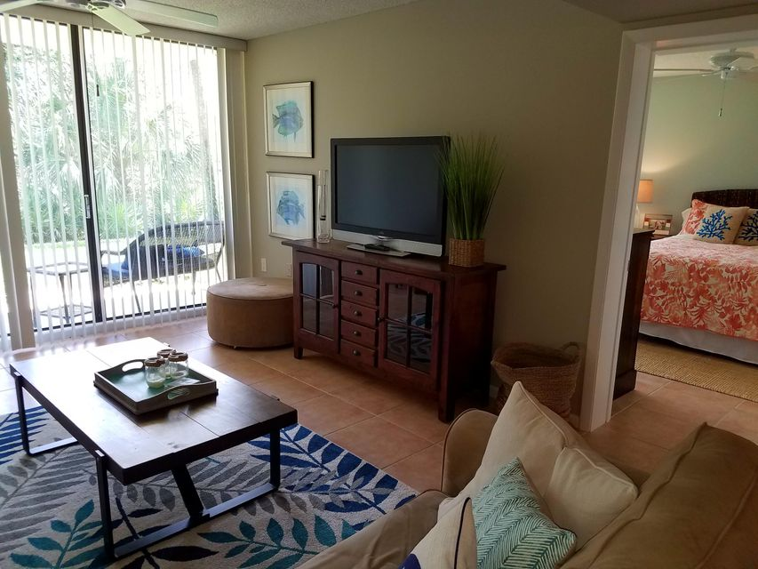 Additional photo for property listing at 1901 Marina Isle Way 1901 Marina Isle Way Jupiter, Florida 33477 United States