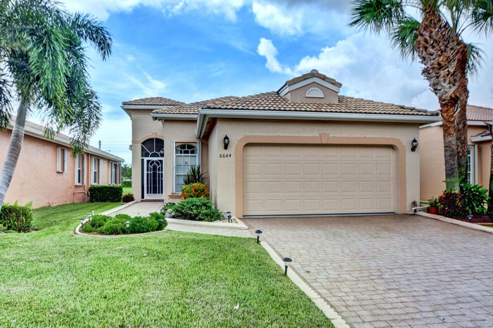 13848  Via Perugia   is listed as MLS Listing RX-10346700