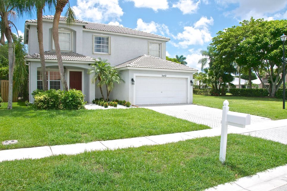 Single Family Home for Sale at 1652 Grand Oak Way 1652 Grand Oak Way Wellington, Florida 33414 United States