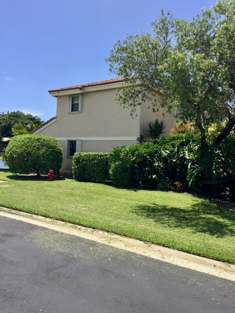 Townhouse for Rent at 8639 Eagle Run Drive 8639 Eagle Run Drive Boca Raton, Florida 33434 United States