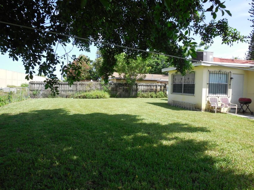 Additional photo for property listing at 324 N Ware Drive 324 N Ware Drive West Palm Beach, Florida 33409 Vereinigte Staaten