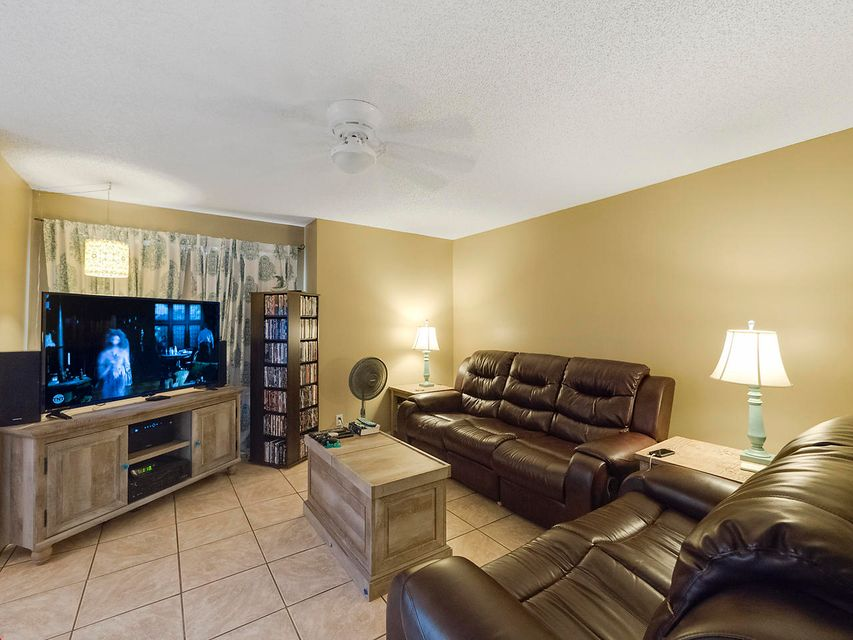 Additional photo for property listing at 1283 Wild Daisy Lane 1283 Wild Daisy Lane West Palm Beach, Florida 33415 Vereinigte Staaten