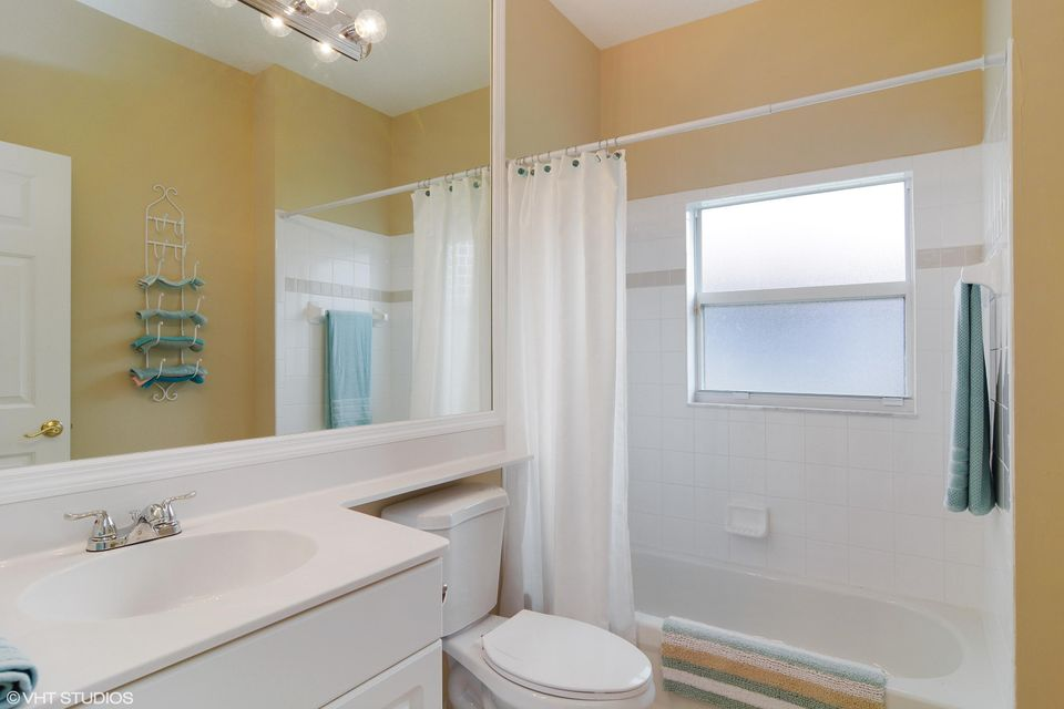 Additional photo for property listing at 313 NW Shoreline Circle  Port St. Lucie, Florida 34986 Vereinigte Staaten