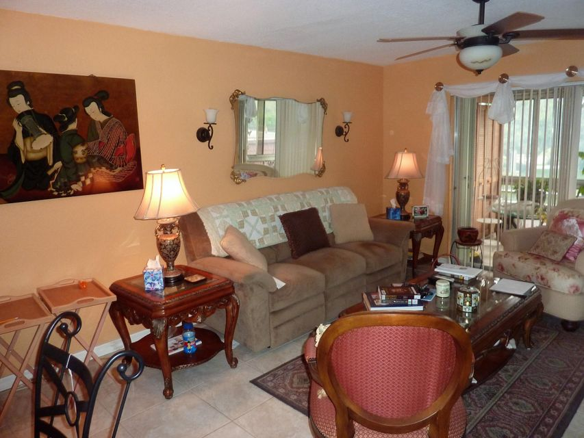 Additional photo for property listing at 12014 Greenway Circle S 12014 Greenway Circle S Royal Palm Beach, Florida 33411 United States