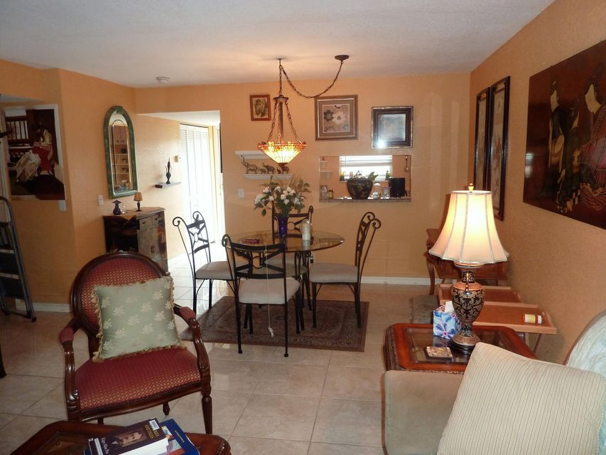 Additional photo for property listing at 12014 Greenway Circle S 12014 Greenway Circle S Royal Palm Beach, Florida 33411 Estados Unidos