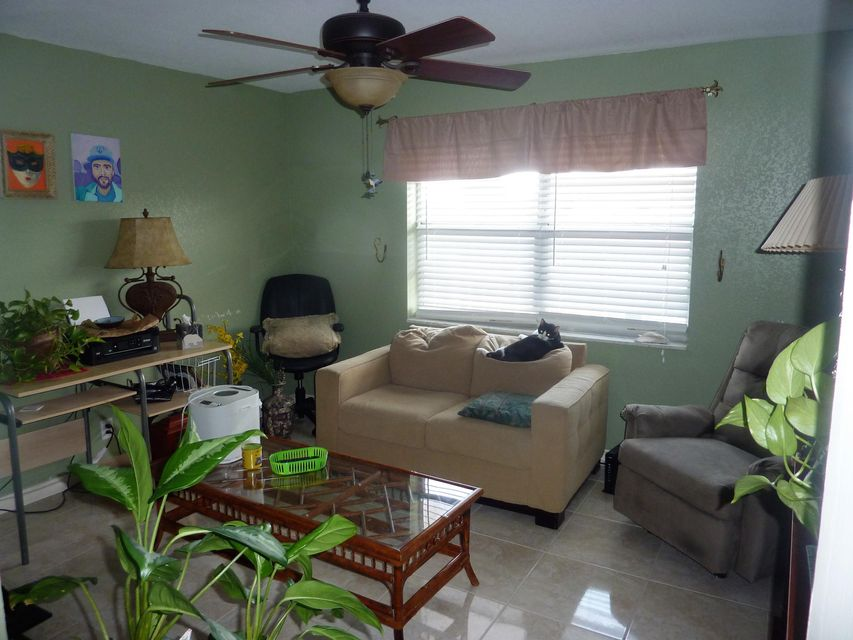Additional photo for property listing at 12014 Greenway Circle S 12014 Greenway Circle S Royal Palm Beach, Florida 33411 États-Unis