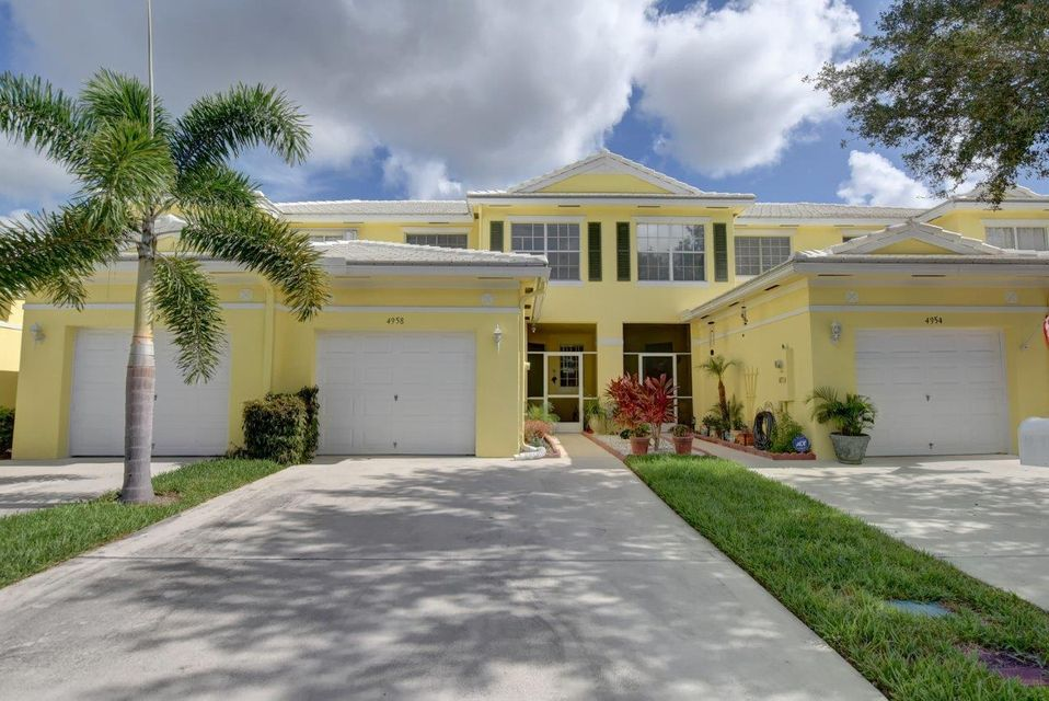 تاون هاوس للـ Sale في 4958 Mallory Street Lake Worth, Florida 33463 United States