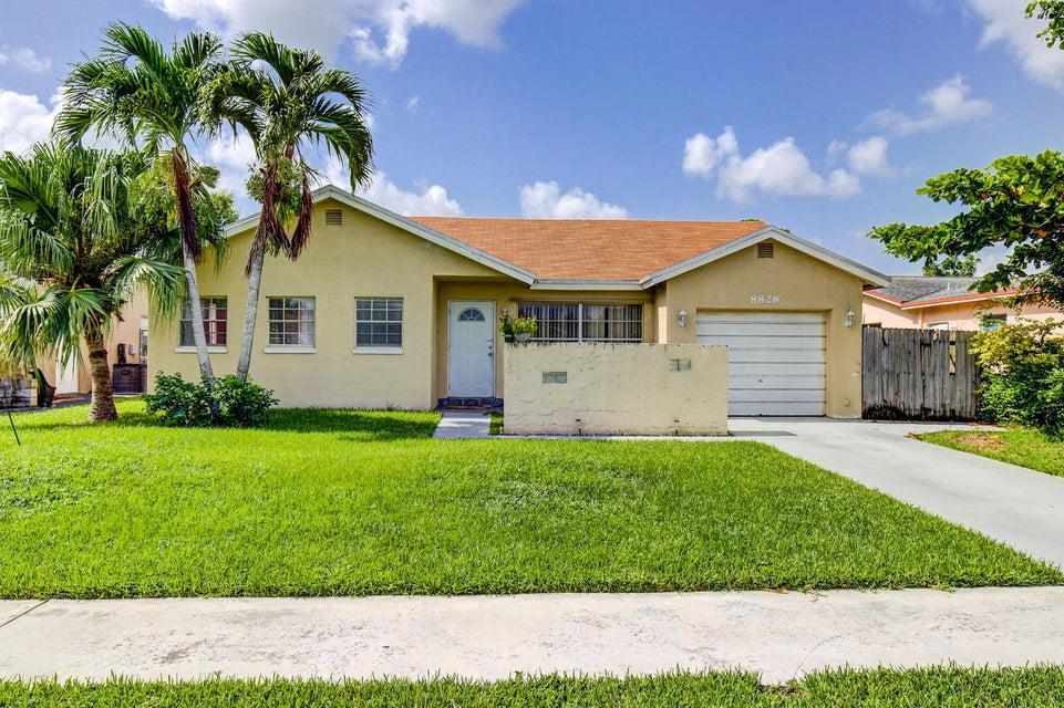 8828 SW 11th Street, Boca Raton, FL 33433