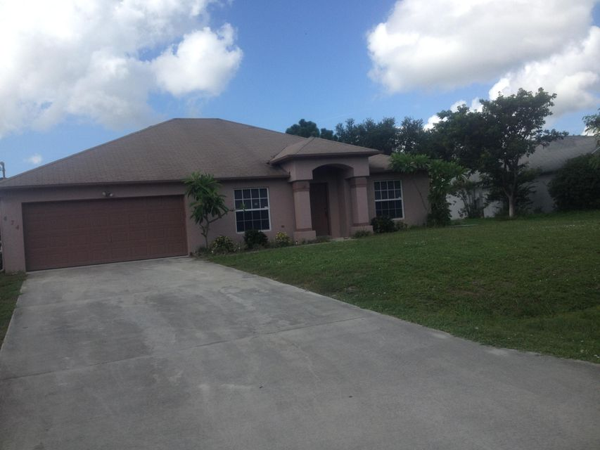 Single Family Home for Sale at 474 SW Jeanne Avenue 474 SW Jeanne Avenue Port St. Lucie, Florida 34953 United States