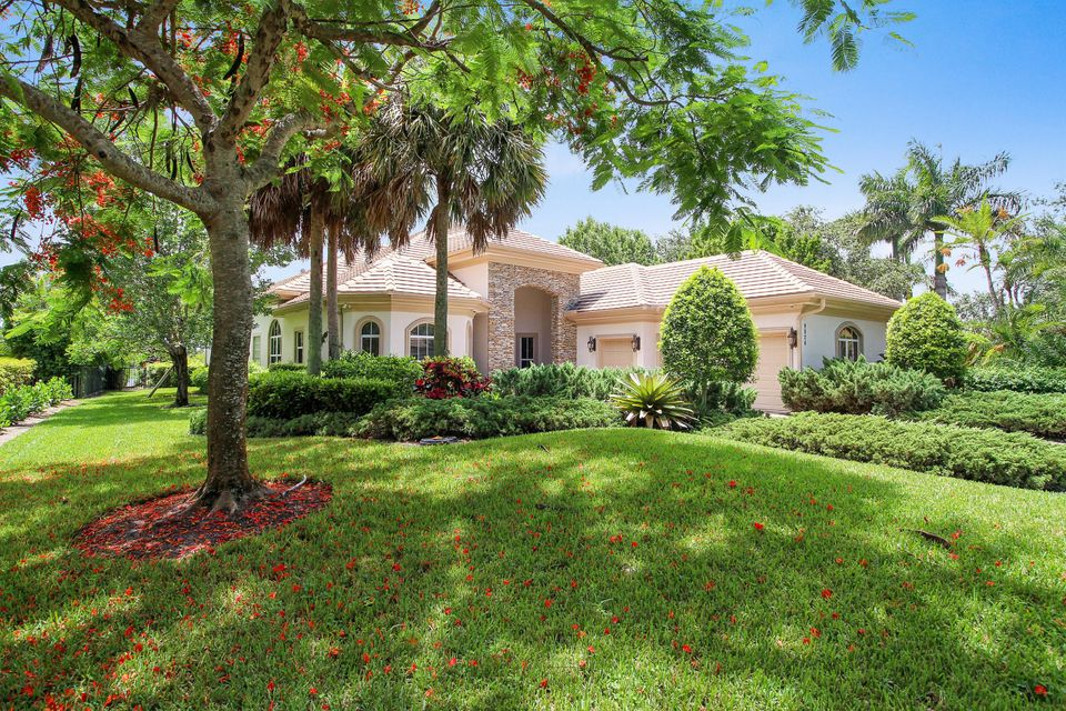 Single Family Home for Sale at 9826 SE Sandpine Lane 9826 SE Sandpine Lane Hobe Sound, Florida 33455 United States