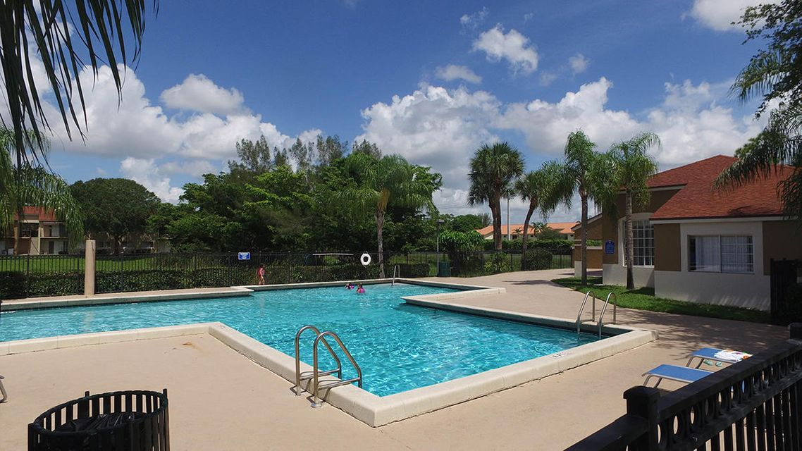 Additional photo for property listing at 1198 Lake Terry Drive  West Palm Beach, Florida 33411 United States