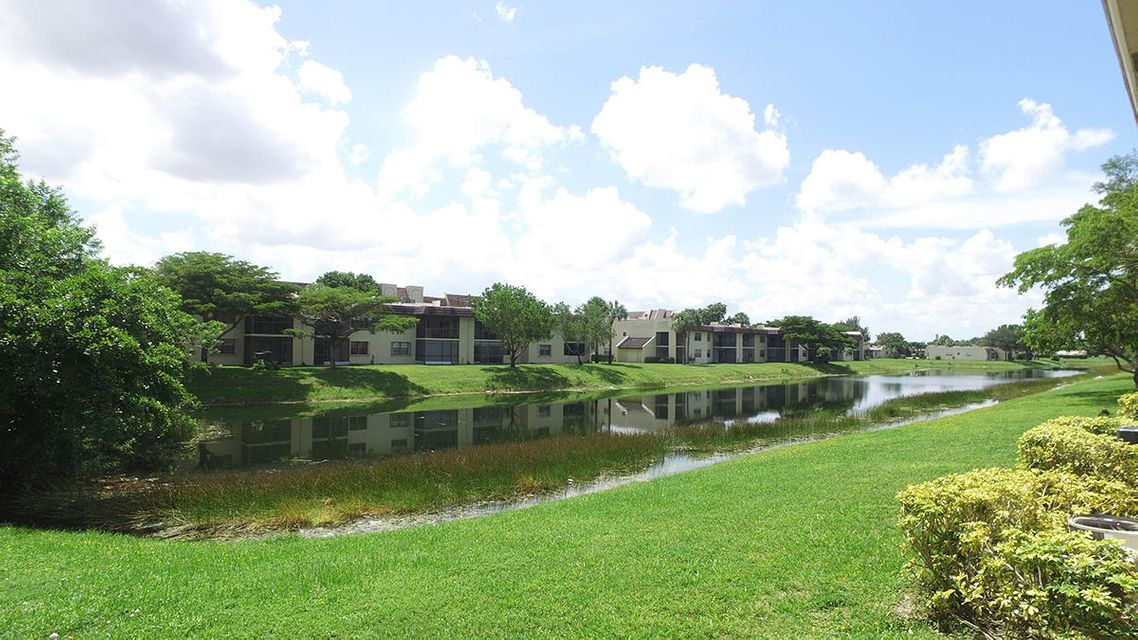Additional photo for property listing at 1198 Lake Terry Drive  West Palm Beach, Florida 33411 États-Unis