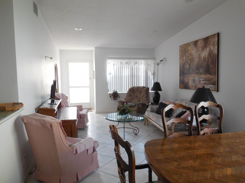 Additional photo for property listing at 5403 Glenda Street  West Palm Beach, Florida 33417 United States