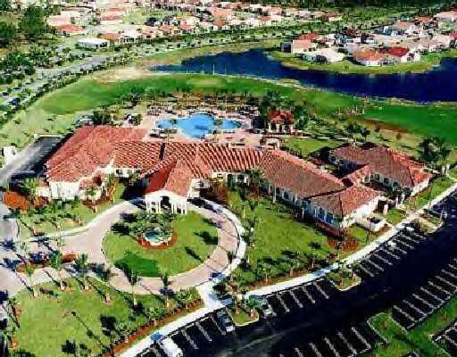 Additional photo for property listing at 313 NW Shoreline Circle 313 NW Shoreline Circle Port St. Lucie, Florida 34986 Estados Unidos
