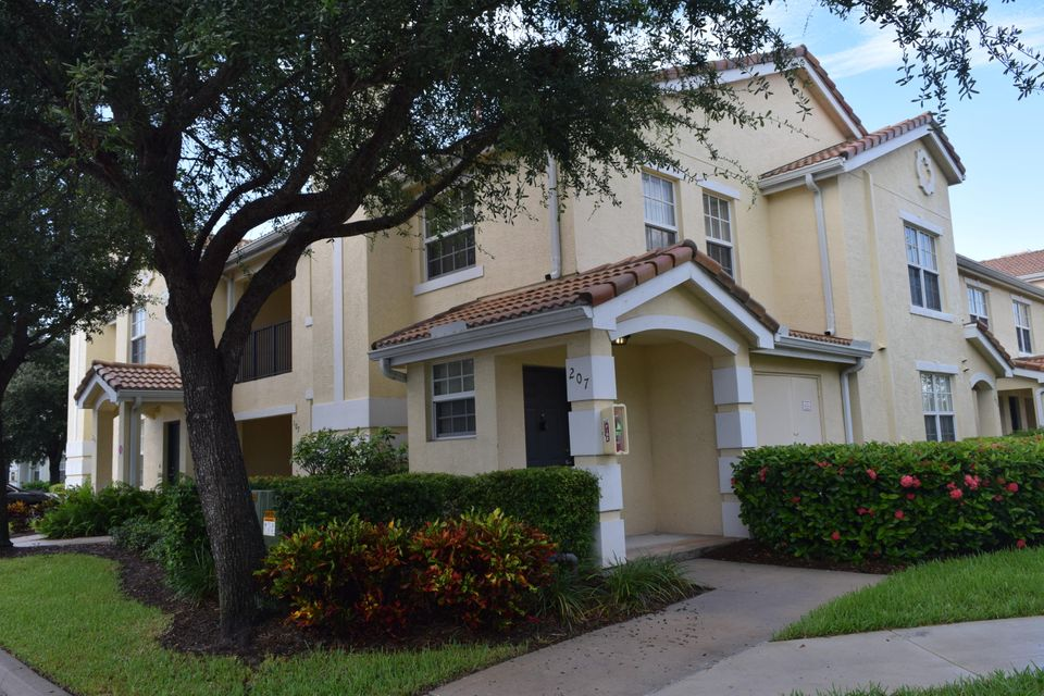 130 SW Peacock Boulevard is listed as MLS Listing RX-10353883 with 21 pictures