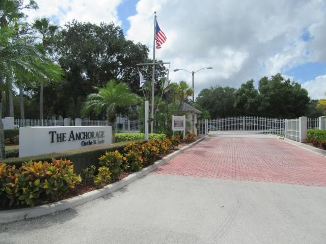 Additional photo for property listing at 2500 SE Anchorage Cove  Port St. Lucie, Florida 34952 United States