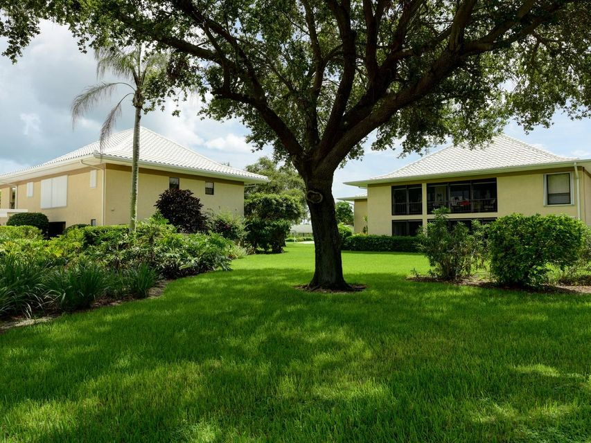 Additional photo for property listing at 20 SE Turtle Creek Drive  Tequesta, Florida 33469 United States