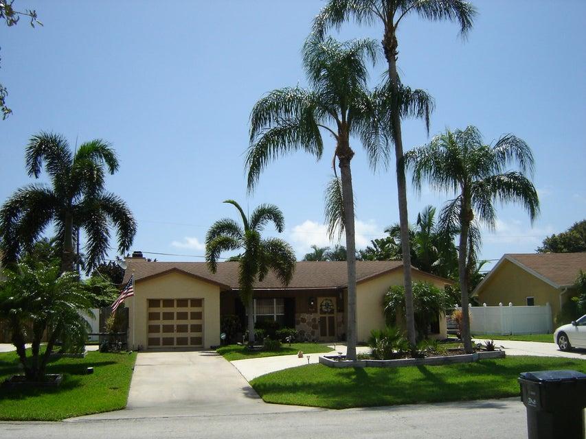 واحد منزل الأسرة للـ Sale في 3137 Cardinal Drive Delray Beach, Florida 33444 United States